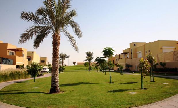 AL RAHA GARDENS, Abu Dhabi – 2012. 54.400 lt. Επιλεκτικοί συλλέκτες  735m².